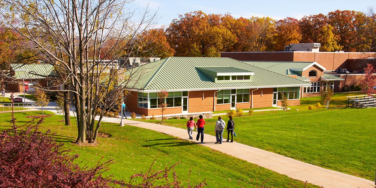Exterior photo on Altoona campus students walking